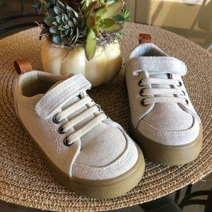 EUC Jahmir Toddler Boy Shoes Cat and Jack Size 6